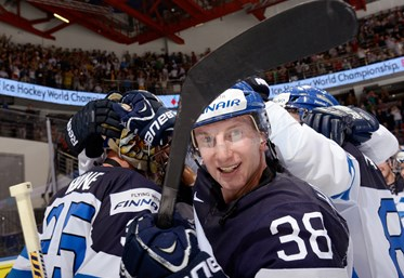 Finns finish off Canada